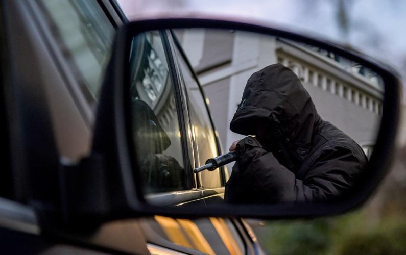 Брянец украл иномарку у жителя Смоленска