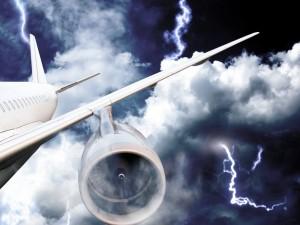 Молния ударила в самолет при заходе на посадку в Сочи