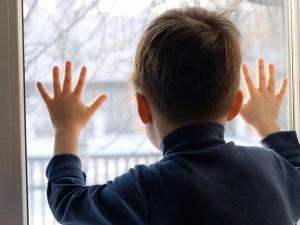 Семилетний «мальчик-маугли» умер в захламленной московской квартире