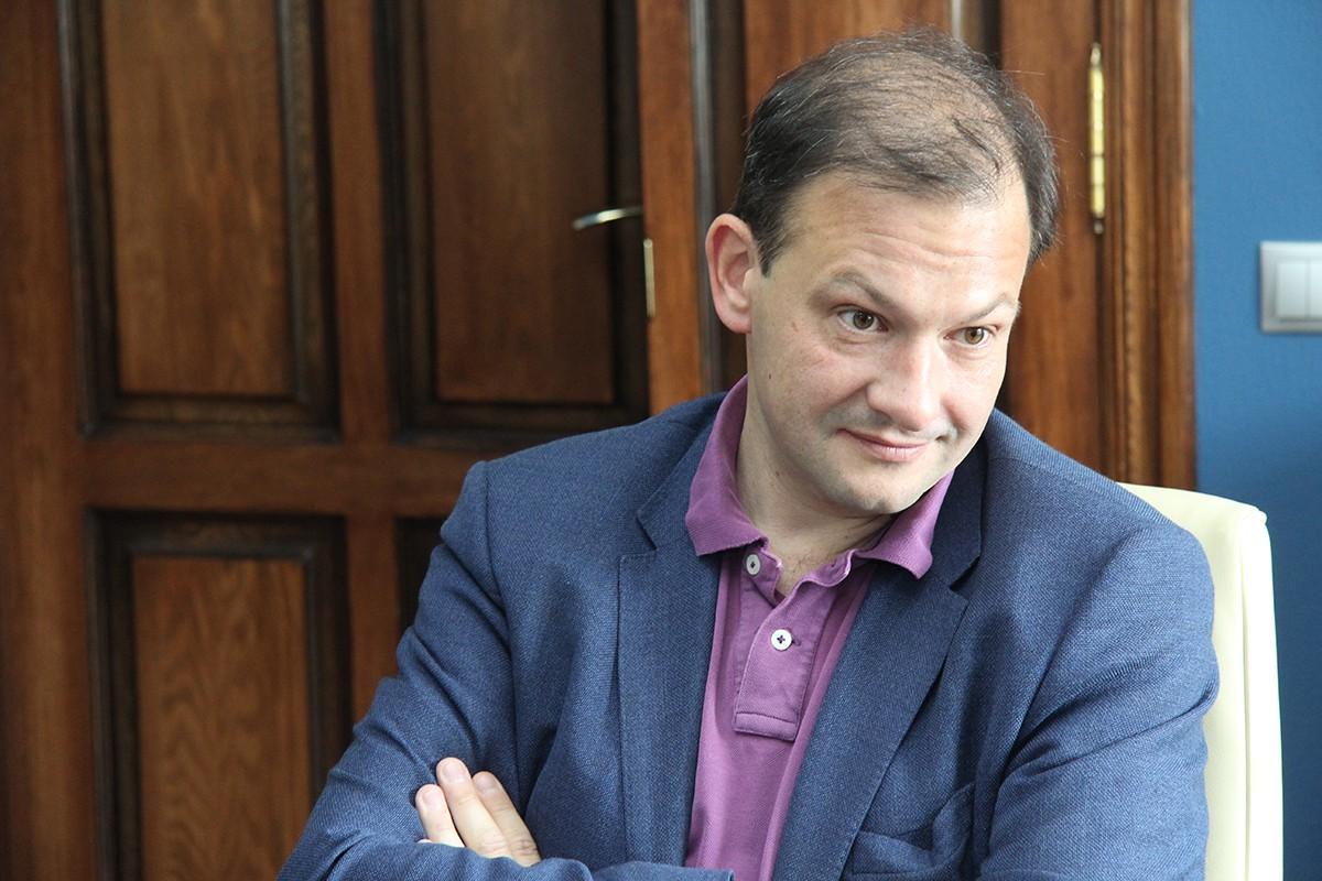 Телеведущего Брилева исключили из общественного совета при Минобороны