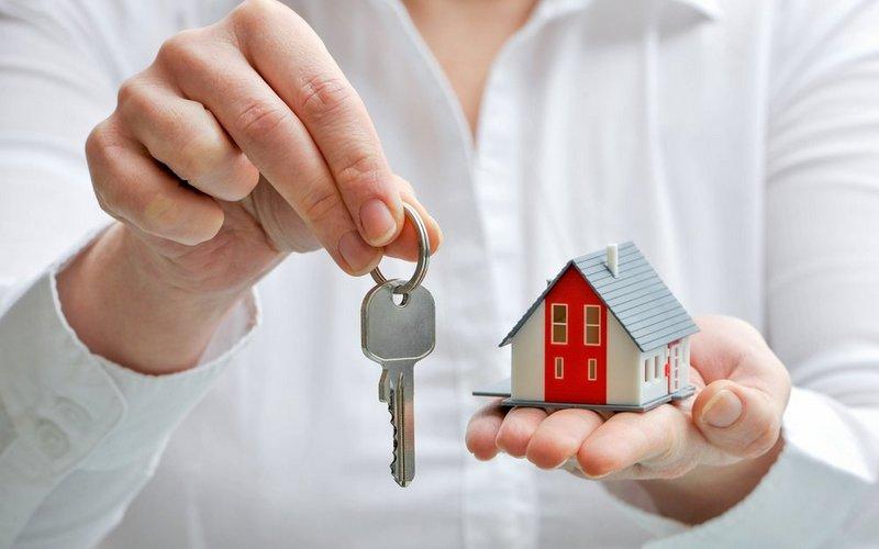 Переезжающим на Брянщину врачам купят трехкомнатные квартиры