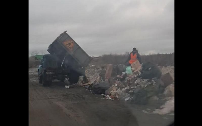 Борьба с мусором по-брянски: коммунальщики шокировали горожан
