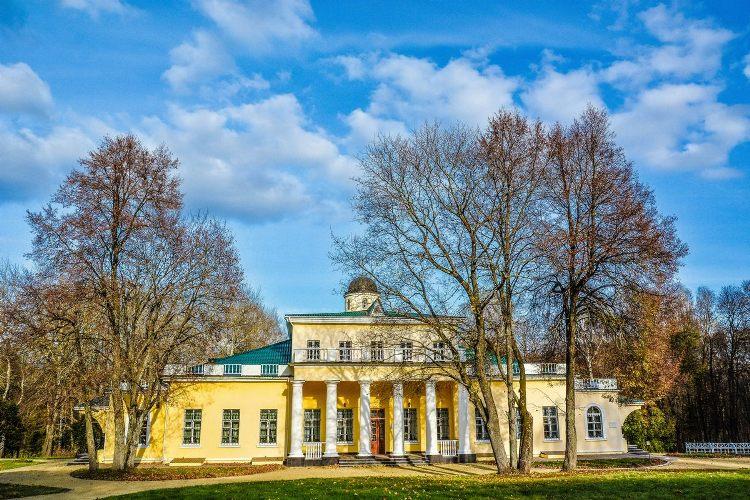 В Овстуге отремонтируют историческое здание в усадьбе Тютчева