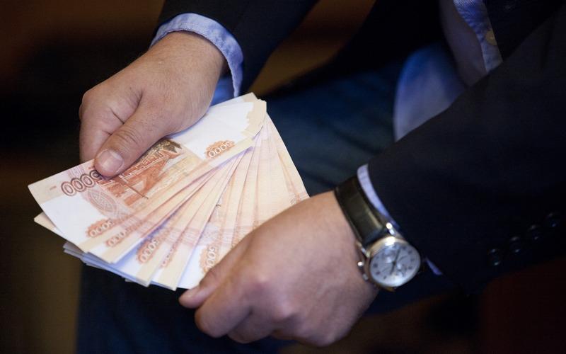 Брянским чиновникам снова увеличили размеры премий