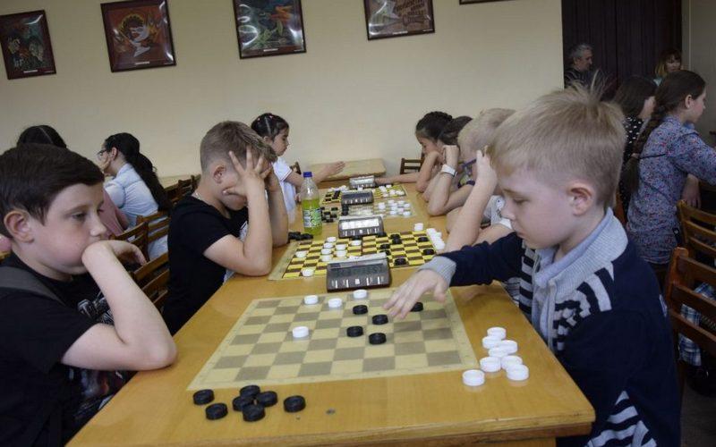 Жуковские ребята стали призерами первенства ЦФО по стоклеточным шашкам