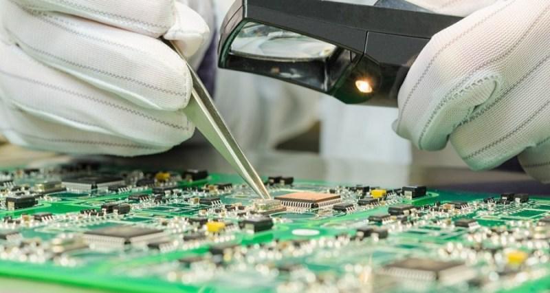 В Брянске запустили производство микросхем для смартфонов и ноутбуков