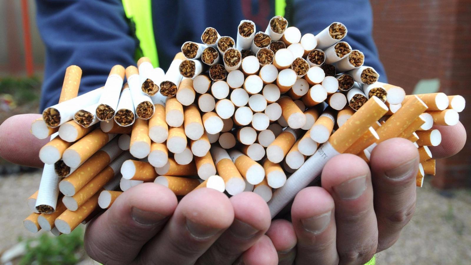 Брянские полицейские пресекли продажу поддельных сигарет