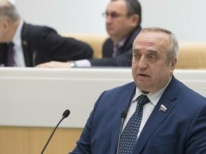 Сенатор Клинцевич предрек жесткие фальсификации Порошенко во втором туре