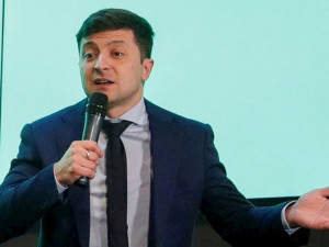 Зеленский после голосования исполнил рэп из репертуара Эминема