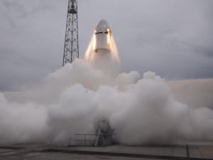 Роскосмос предложил помощь Илону Маску в расследовании причин катастрофы Dragon-2