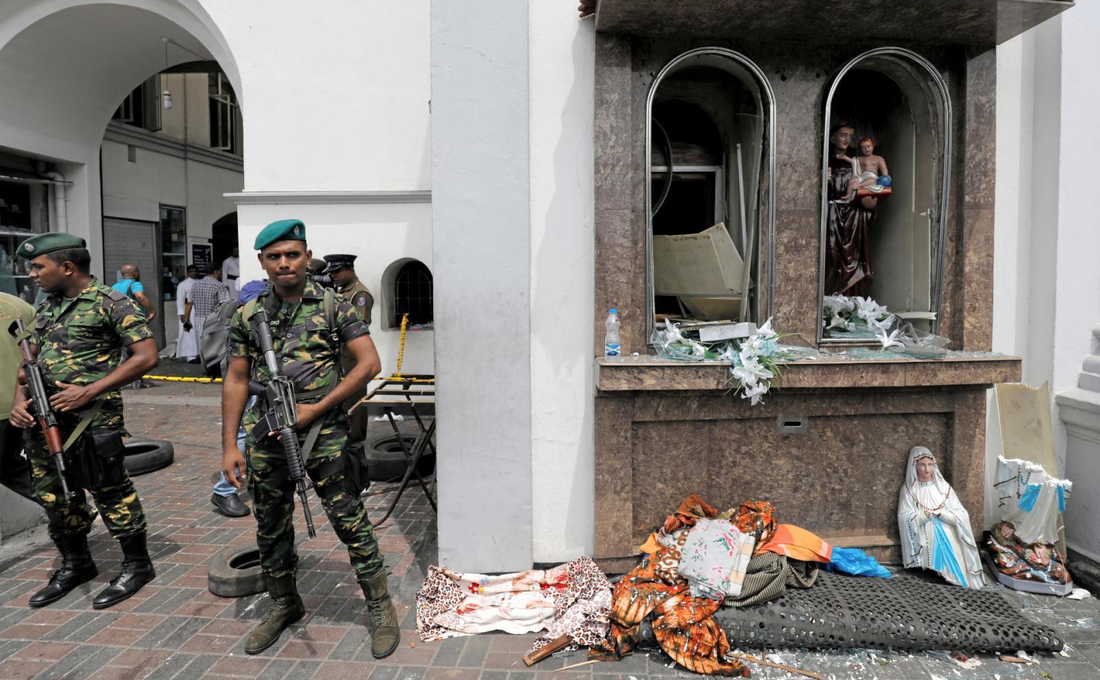 Полиция Шри-Ланки задержала 40 человек по подозрению в организации терактов