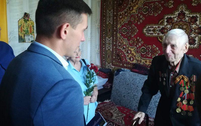 Брянскому ветерану Петру Королеву исполнилось 100 лет