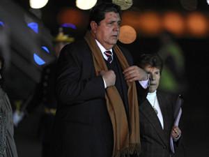 Экс-президент Перу пытался покончить с собой при задержании