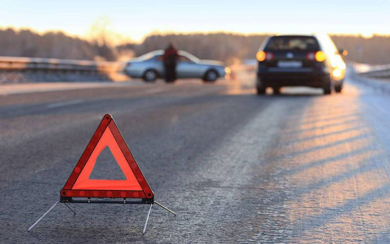 В Погарском районе 20-летний водитель легковушки опрокинулся в кювет