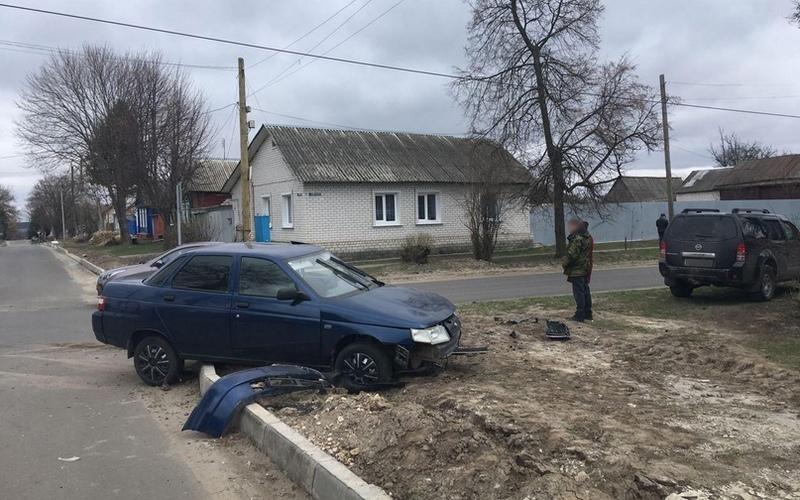 В Севске столкнулись две легковушки