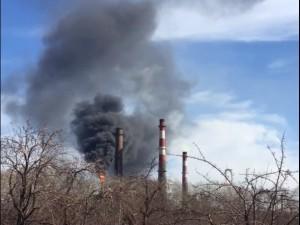 В Челябинске жители заметили возгорание на электродном заводе