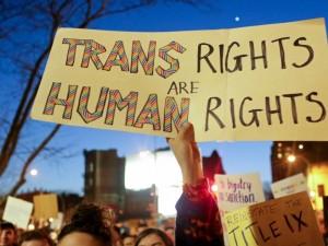 Американских женщин приравняли к геям и транссексуалам