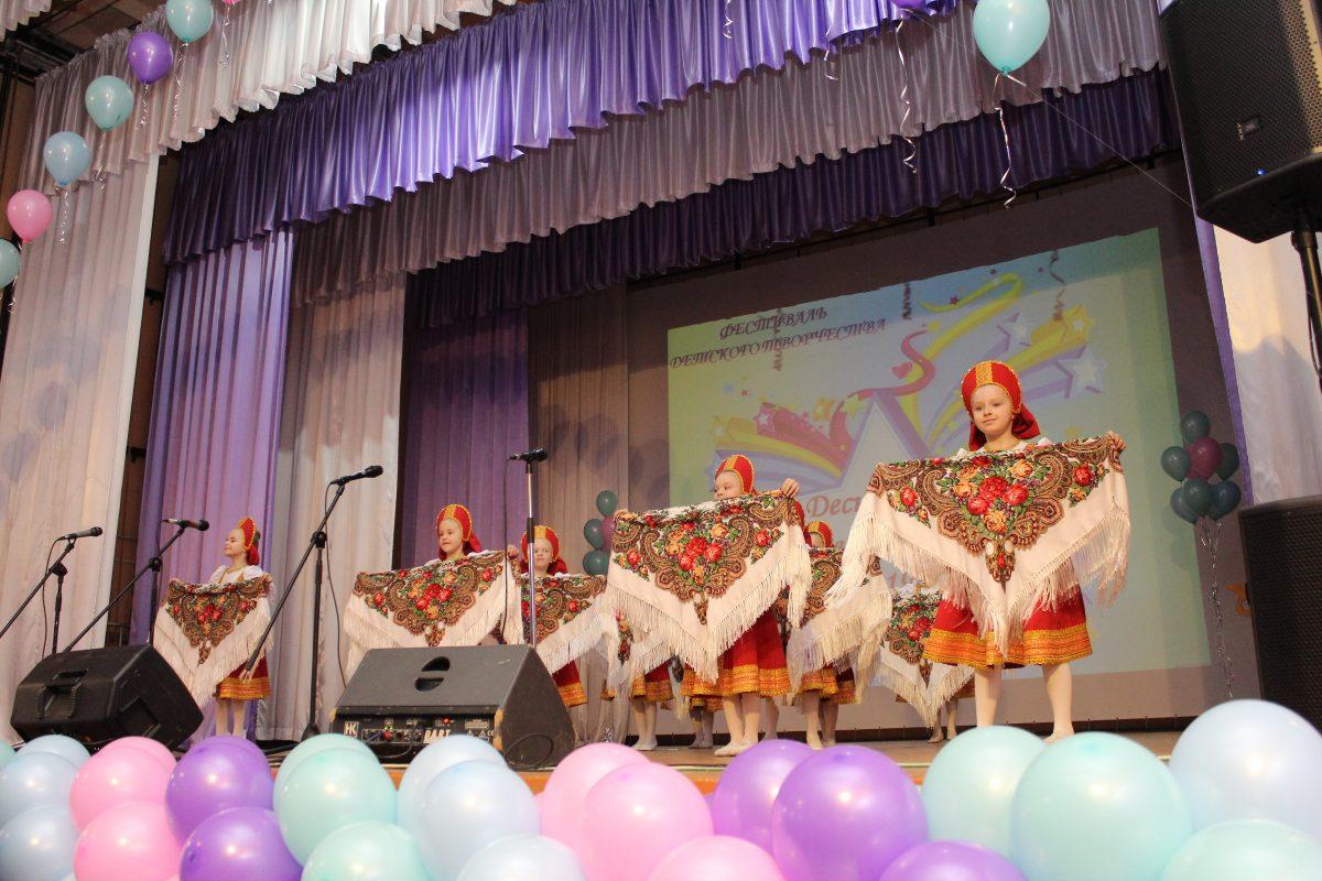 В Брянске прошел фестиваль «Деснянские звездочки»