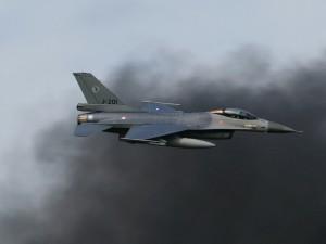 Голландский F-16 на учебных стрельбах сбил сам себя