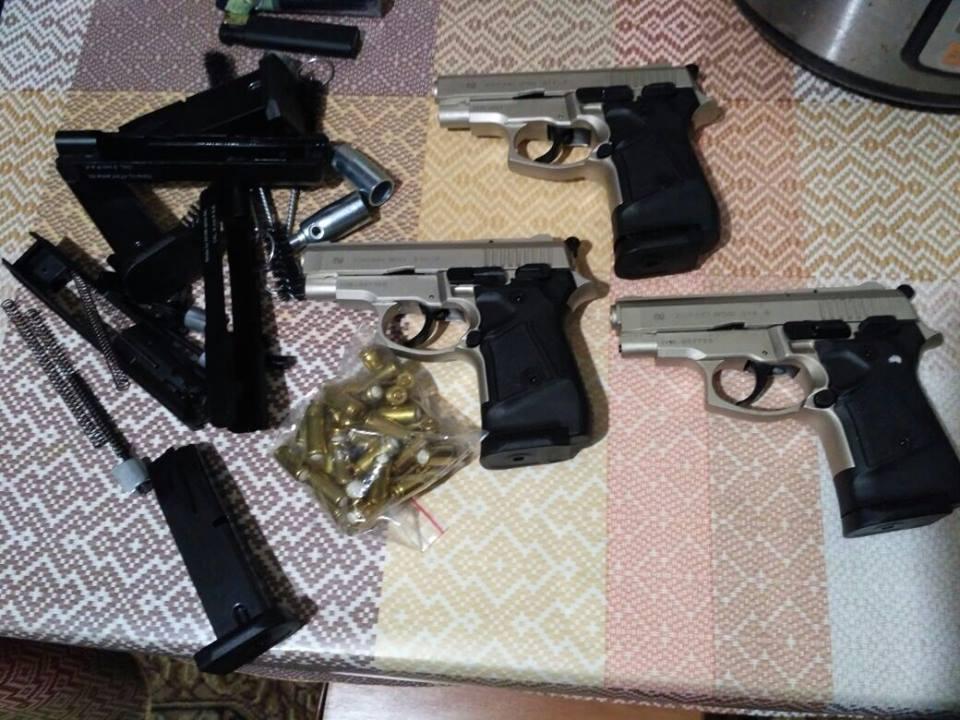В Климово вынесен приговор двум иностранцам за контрабанду оружия и взрывчатки