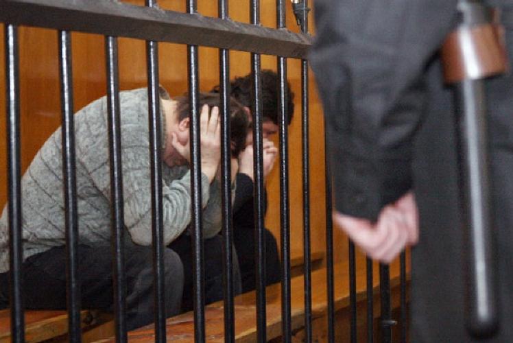 Психически больные брянцы порезали калужских полицейских