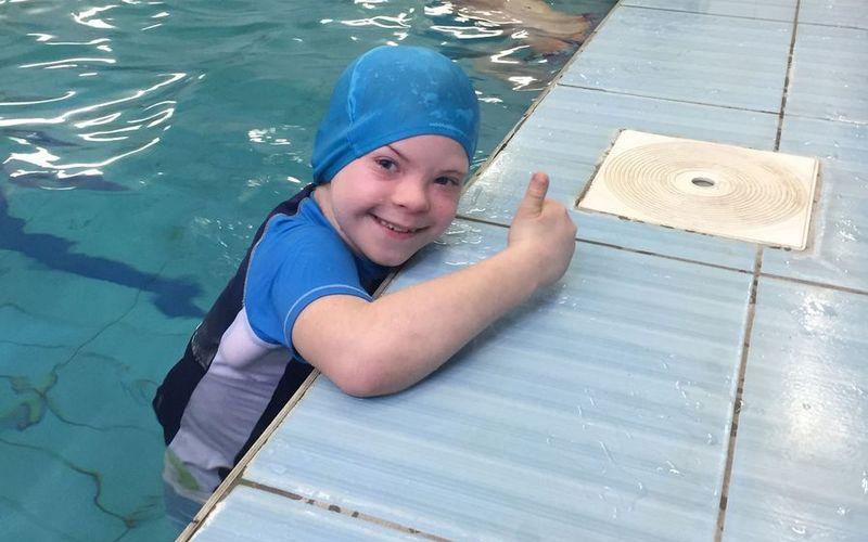 В Брянске для детей с синдромом Дауна прошли соревнования по плаванию