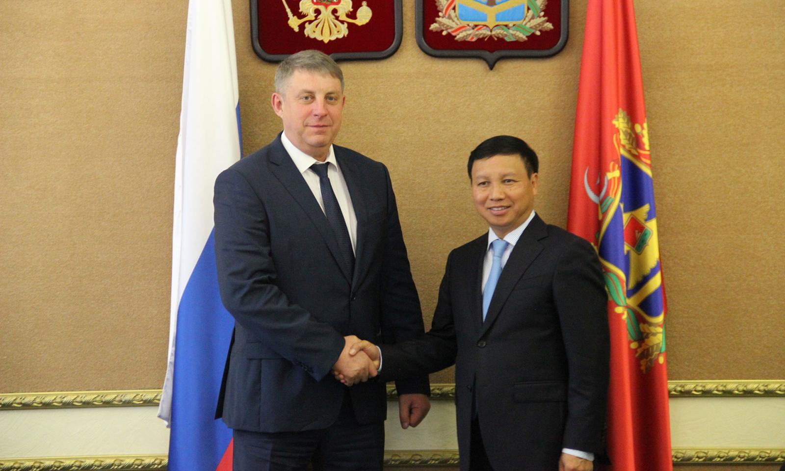 Богомаз встретился с послом Вьетнама в РФ