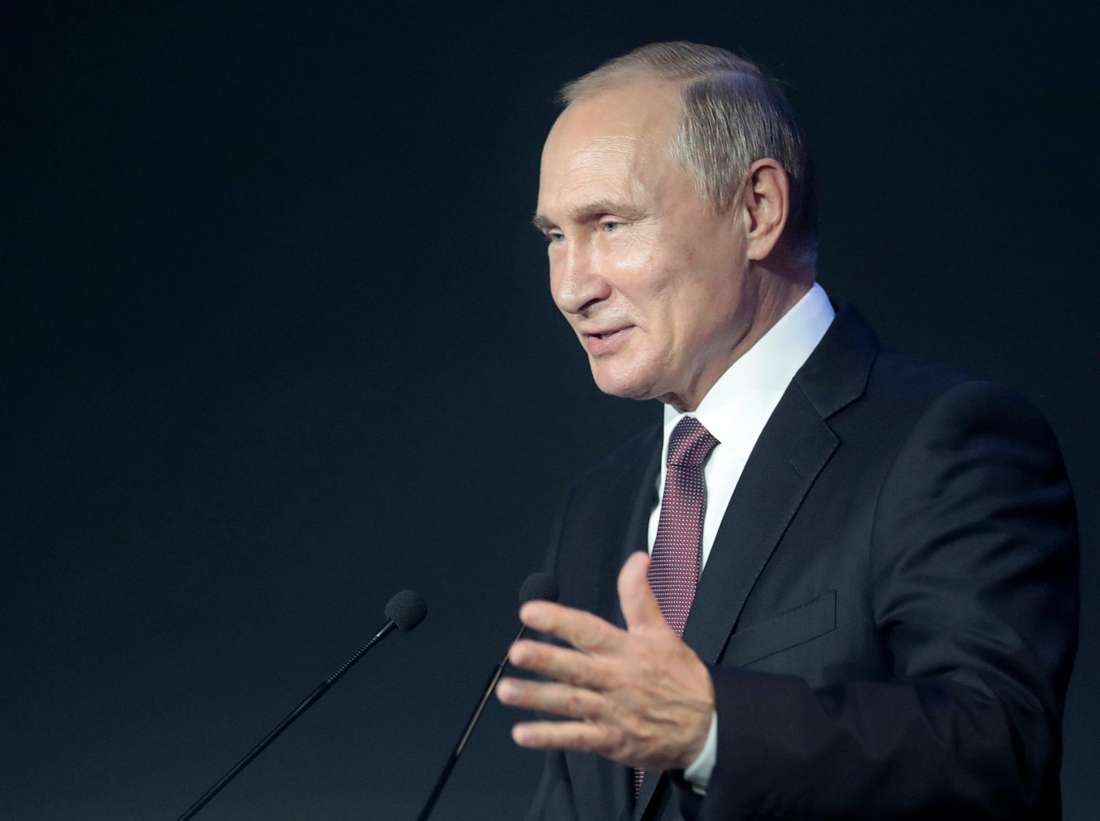 Эксперты объяснили причину падения рейтинга Путина