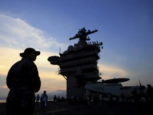 Моряк с авианосца США хотел убежать в Россию, но по дороге напился и был арестован