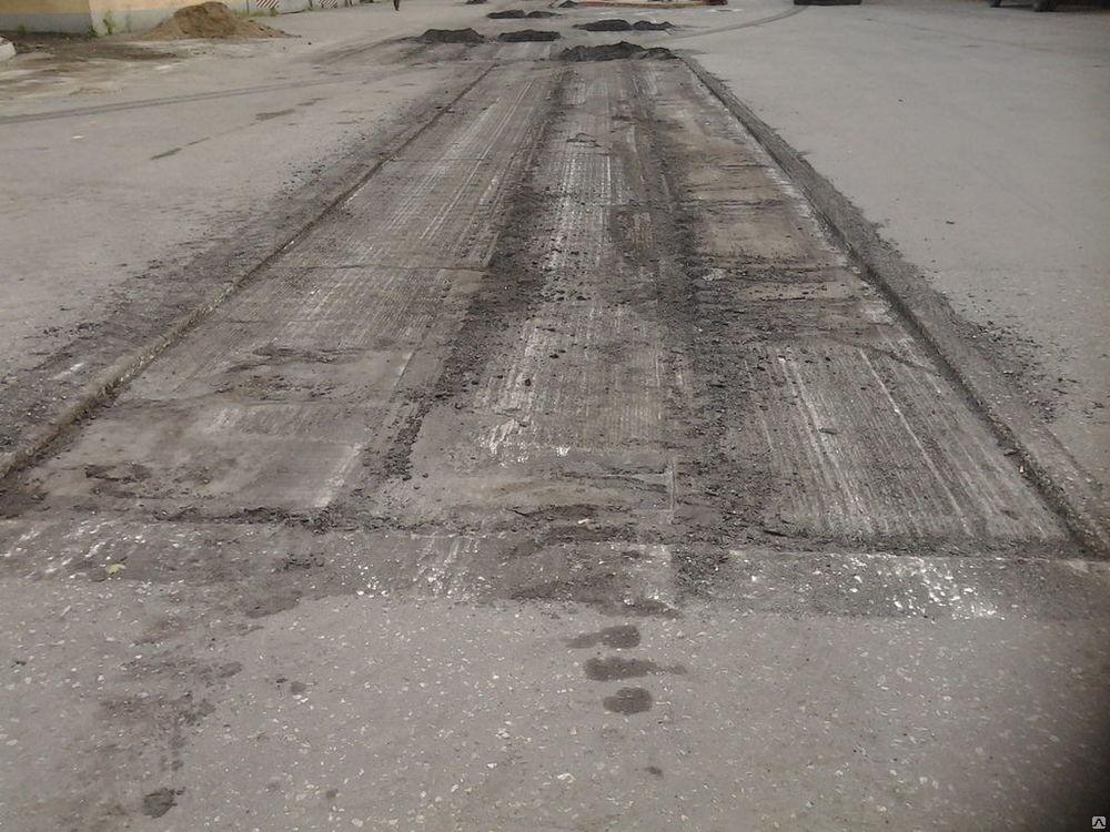 В ГИБДД предупредили брянских водителей об опасных люках и отключении электричества