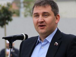Он голосовал за повышение пенсионного возраста. Депутат Дмитрий Ламейкин, бывший журналист