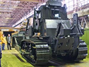 Новый боевой бронированный трактор выпустят на ЧТЗ