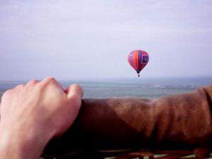 Девочку на шаре чуть не унесло в Чёрное море: видео