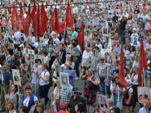 Несколько челябинцев потеряли сознание во время парада 9 мая