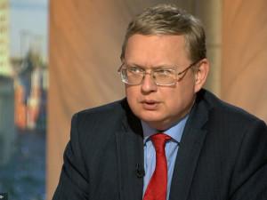 Граждан России погружают в искусственную нищету, считает Делягин