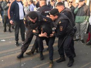 Столкновения с полицией произошли в «Лужниках» в столице 1 мая