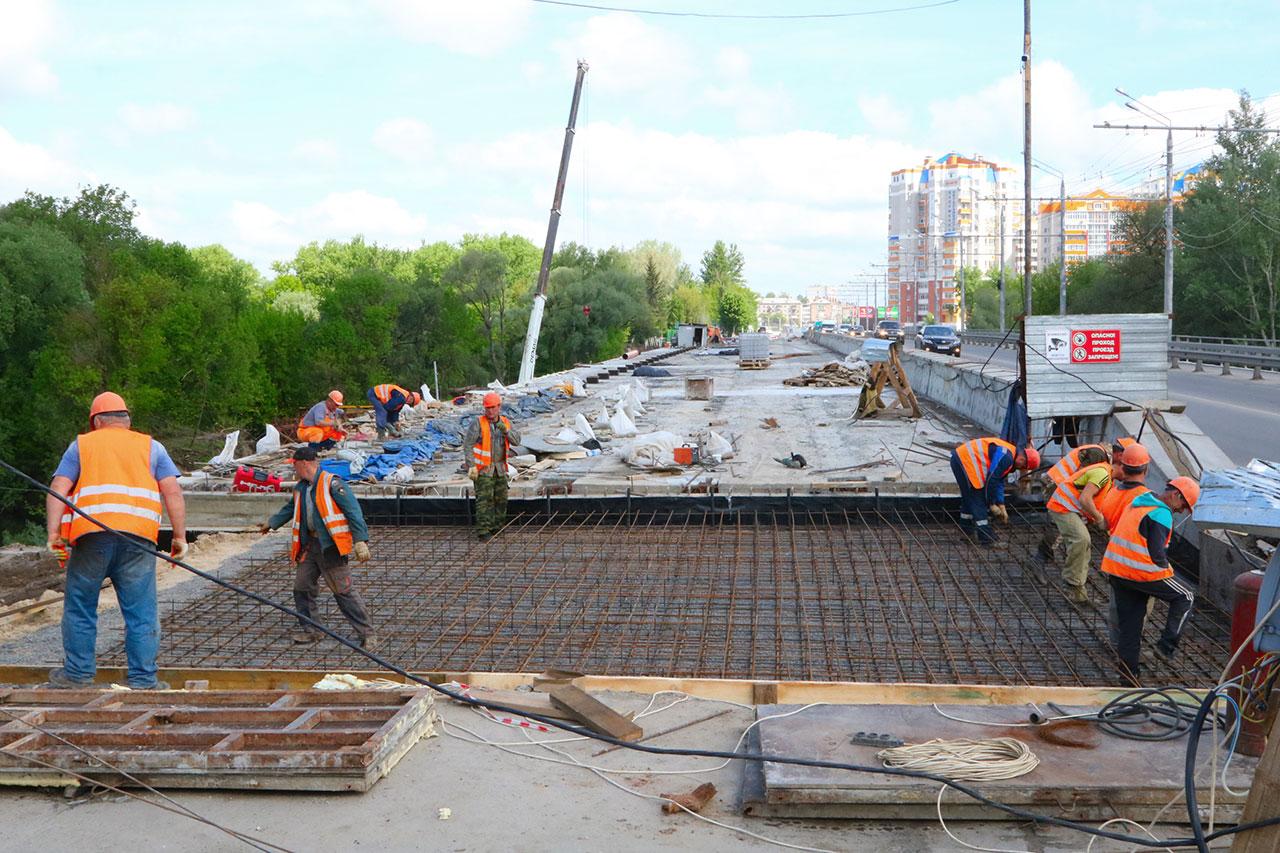 В Брянске обсудили ход строительства Первомайского моста