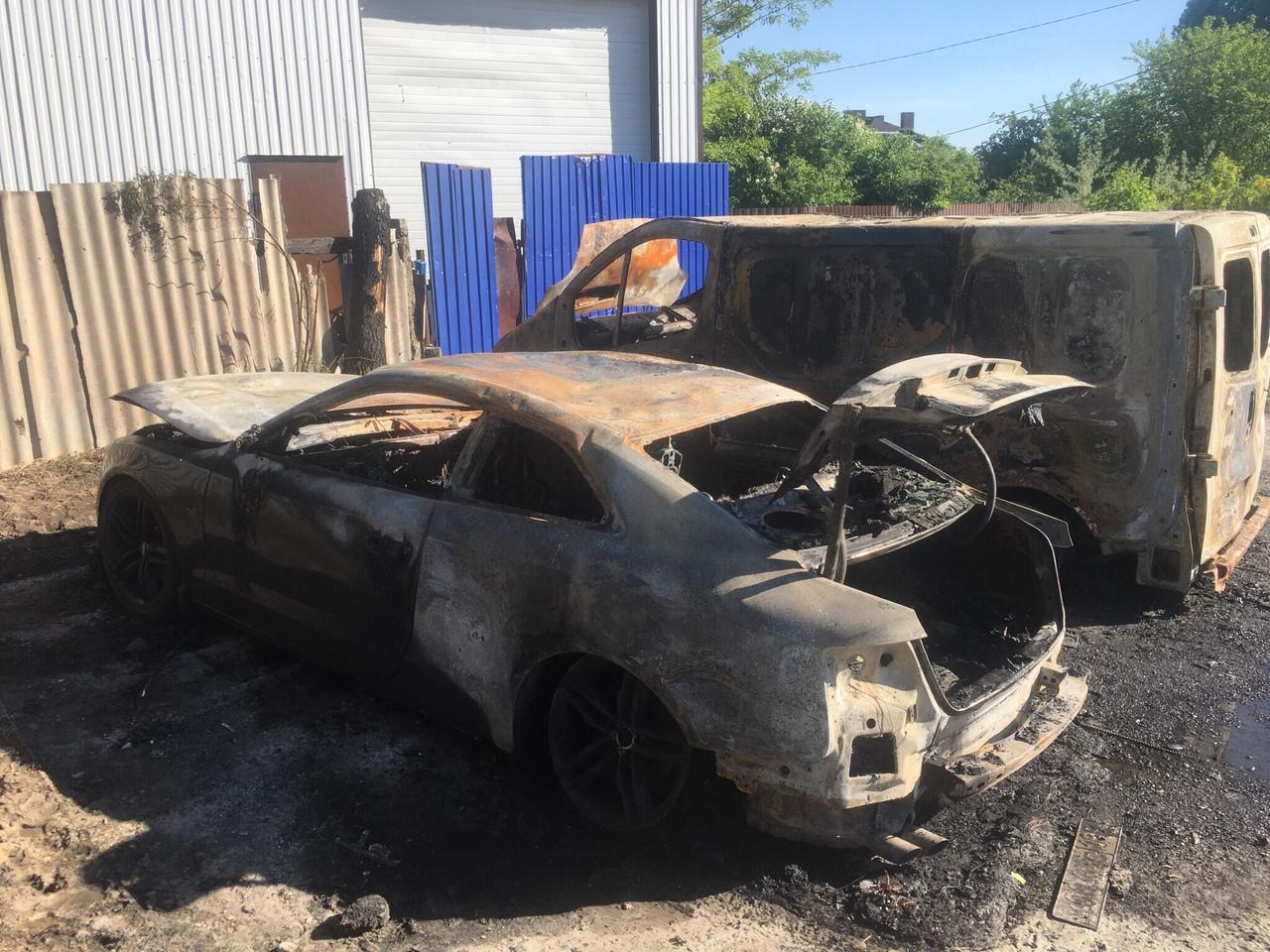 В социальных сетях сообщили о сгоревшей в Супонево спортивной Audi