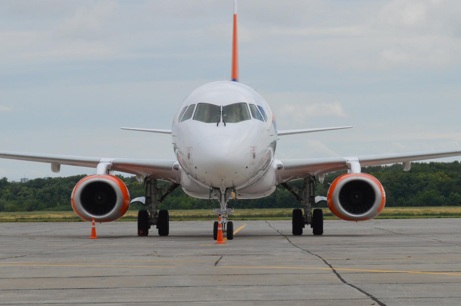 Авиакомпания «Азимут» снизила цены на рейсы Сочи – Брянск