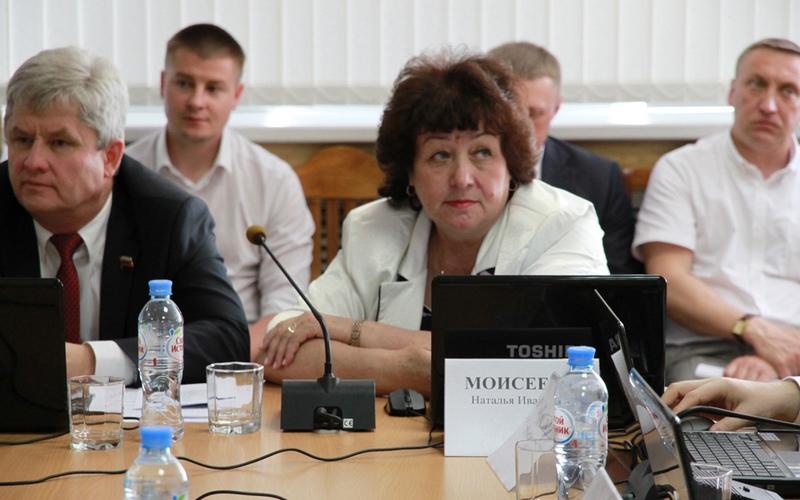 Депутат брянского горсовета Наталья Моисеева сложила полномочия