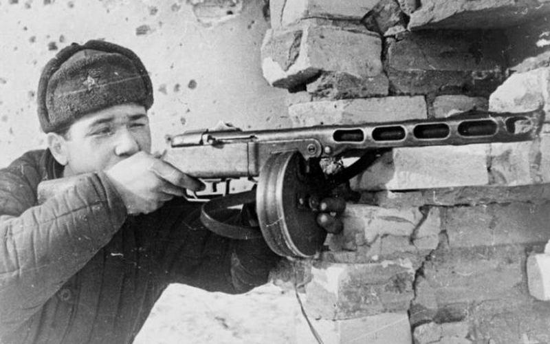 Карабины, винтовки, пулеметы: в Брянске покажут оружие Великой Победы