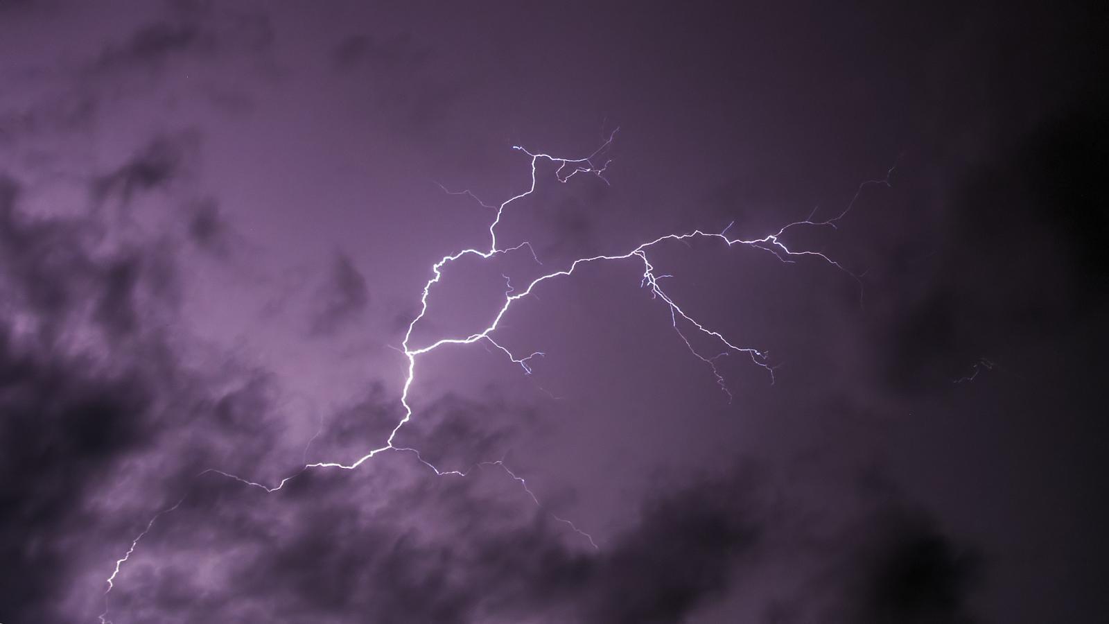 Завтра в Брянске дождь с грозой