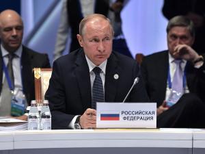По предложению Путина Назарбаев стал почетным председателем ЕАЭС