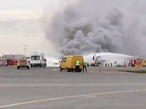 Самолет горит в Шереметьево