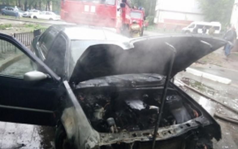 В Брянске на Ромашина вспыхнул автомобиль