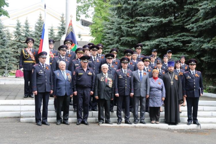 В Брянске молодые полицейские приняли присягу