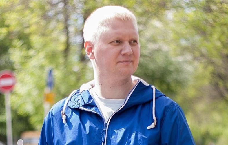 Таксист из Екатеринбурга сделал бесплатный ремонт ветеранам войны