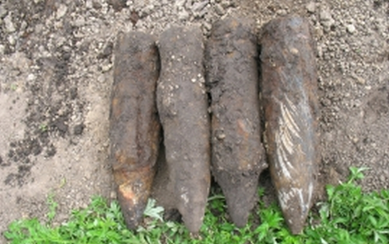 В Жуковке нашли четыре снаряда и гранату