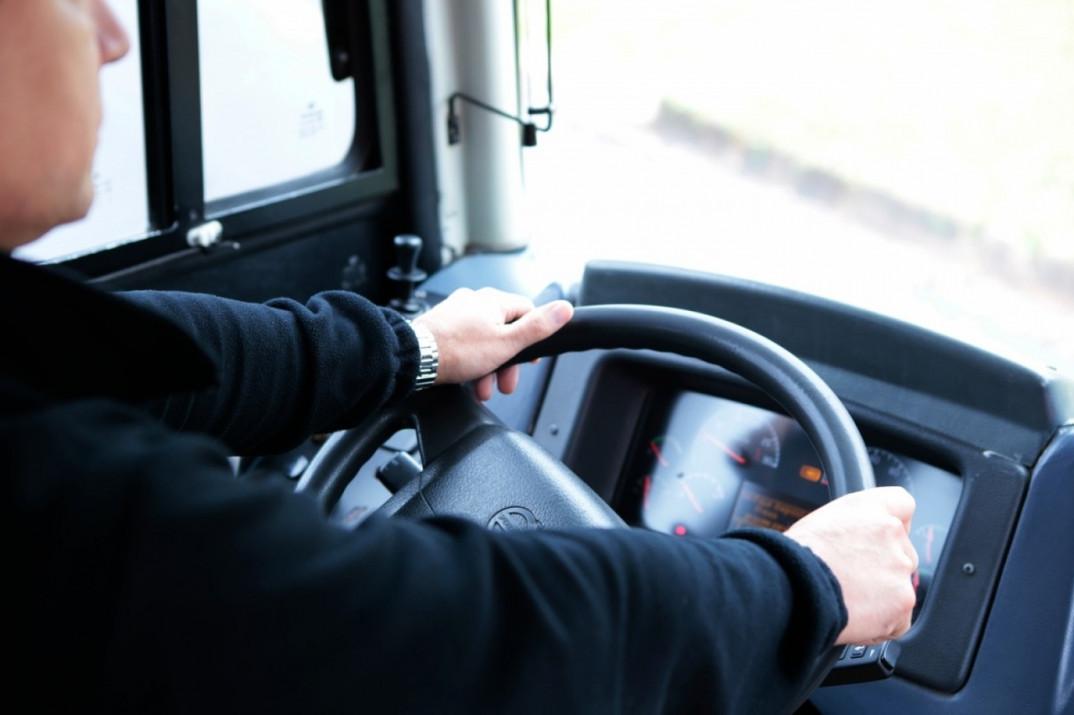 Брянские водители автобусов получают больше 30 тысяч рублей