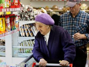 Продукты в долг начнут продавать россиянам